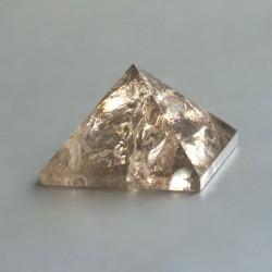 Rookkwarts edelsteen piramide 02