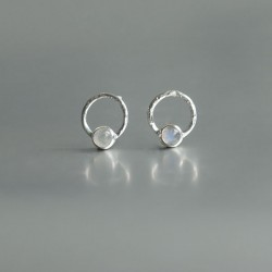Regenboog Maansteen oorstekers 925 zilver (model S5-009)